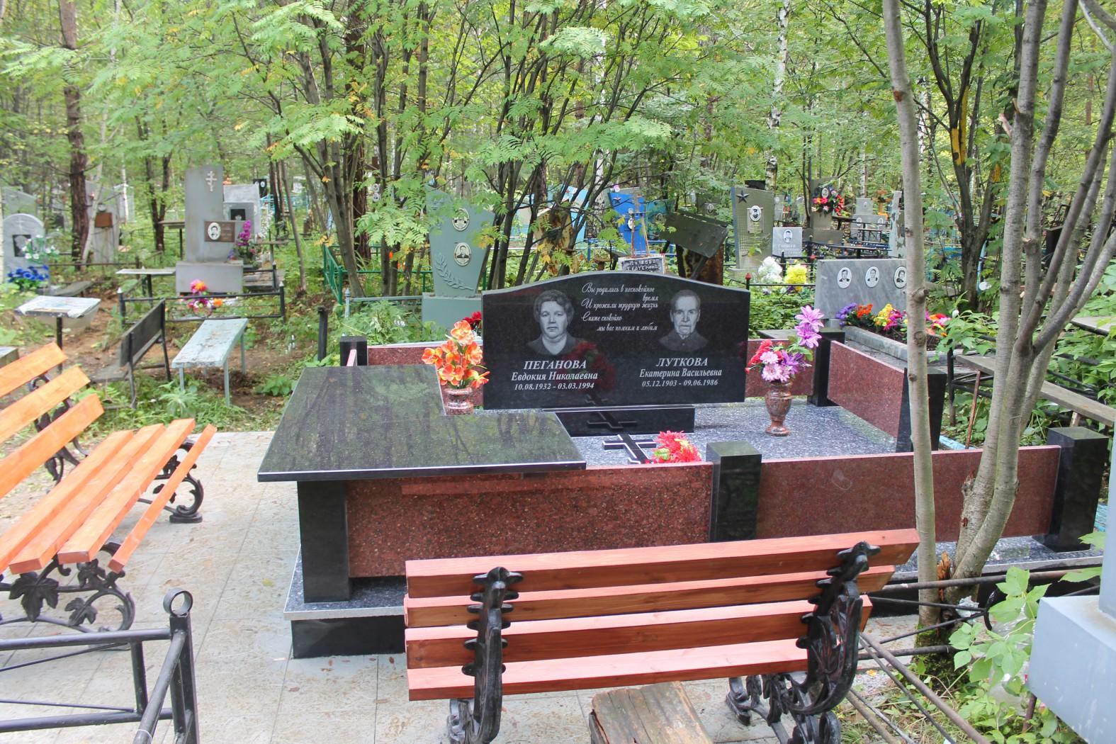 Надгробие в ташкенте Эконом памятник с резным крестиком в углу Достоевская